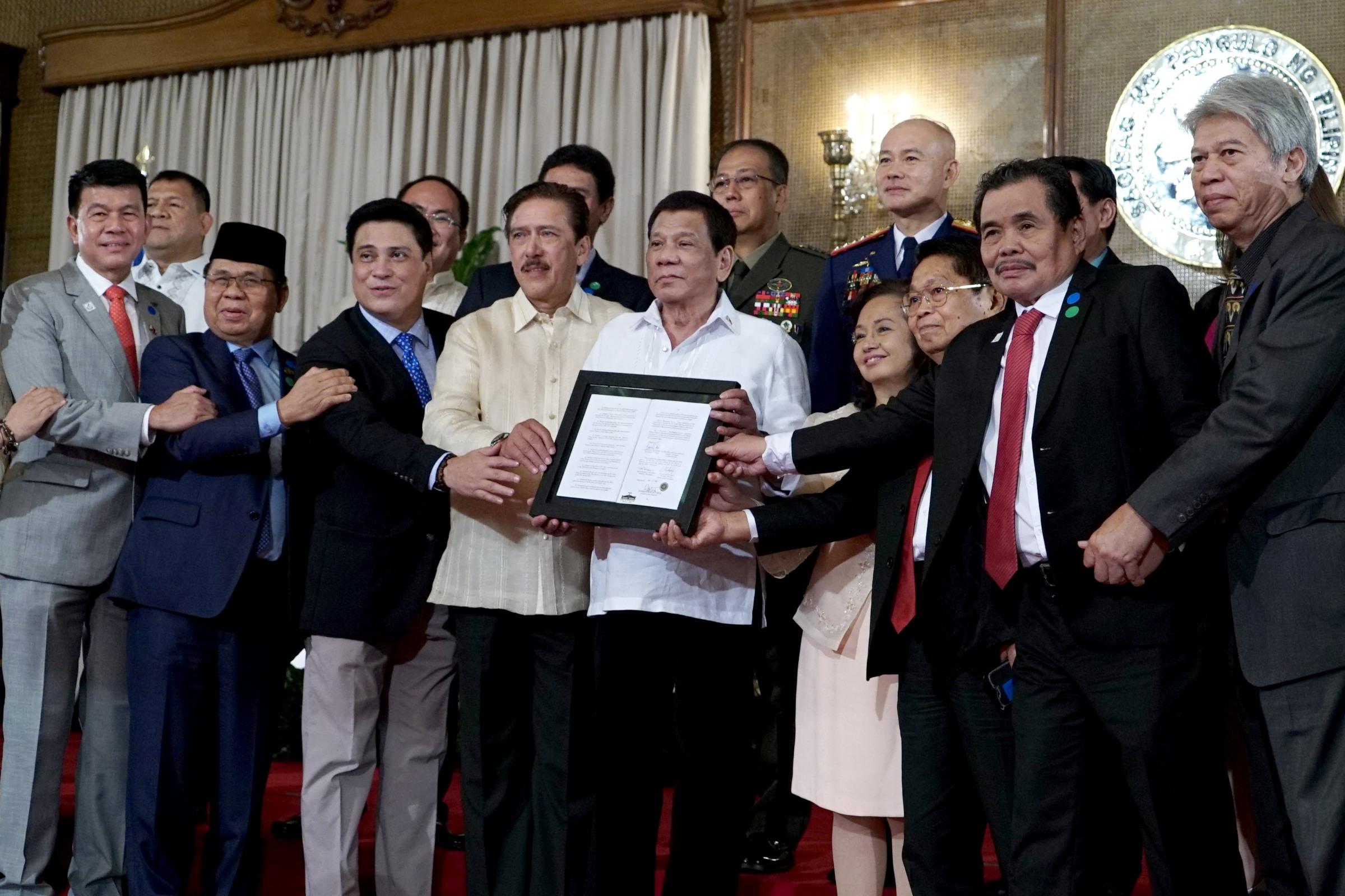 GPH, MILF panel chairs to present Bangsamoro Organic Law to Moro people, Mindanao stakeholders