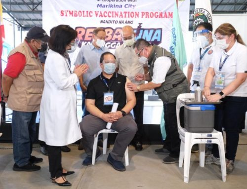 PH govt continues vaccine rollout in different hospitals, prioritizes healthcare workers nationwide amidst limited supply